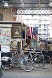 De antieke markt in de Spitalfields-markt wordt traditioneel gehouden op Donderdagen Royalty-vrije Stock Fotografie