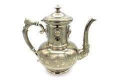 De antieke pot van de metaalkoffie op witte achtergrond stock afbeelding
