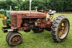De Antieke Tractor van McCormickfarmall Stock Fotografie