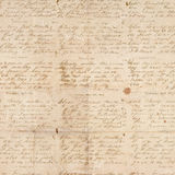 De antieke wijnoogst vouwde geweven document met manuscript Stock Foto's