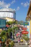 De Antillen, de Caraïben, Antigua, St Johns, Erfeniskade & Cruiseschip in Haven Royalty-vrije Stock Afbeeldingen