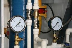 De apparatuur in boiler-huis Royalty-vrije Stock Afbeeldingen