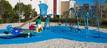De Apparatuur van de Speelplaats van kinderen Stock Afbeelding