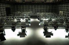 De apparatuur van de verlichting van de studio van TV Stock Foto's