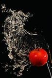 De appel doused met water Stock Afbeeldingen
