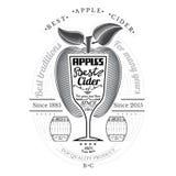De appel van de gravurestijl met wijnglas voor tekst in het centrum Cideretiket op wit Royalty-vrije Stock Fotografie
