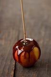 De appelen van de karamel stock afbeeldingen