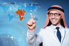 De Arabische man in het concept van de wereldreis Royalty-vrije Stock Afbeelding