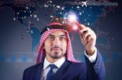 De Arabische man in het concept van de wereldreis Stock Afbeeldingen