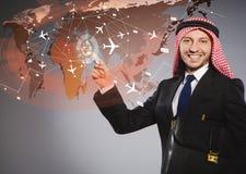 De Arabische man in het concept van de wereldreis Royalty-vrije Stock Afbeeldingen