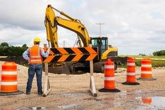 De arbeider van de wegwegenbouw Stock Foto's