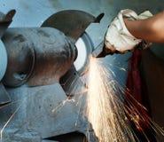 De arbeiders in de fabriek in arbeid royalty-vrije stock fotografie