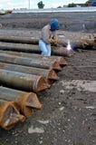 De arbeiders lassen staal Stock Foto's