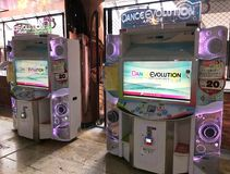 De arcade van de dansevolutie in MBK-wandelgalerij, Bangkok Royalty-vrije Stock Afbeeldingen