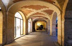 De arcades van plaats des de Vogezen in Parijs, Frankrijk stock afbeelding