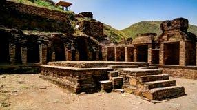 De archeologische plaats en Boeddhistisch klooster Pakistan van takht-I-Bhai Parthian stock afbeeldingen