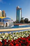 De architectuur, bloemen, water maakt een perfecte pictur Stock Afbeelding