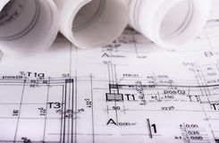 De architectuur rolt de architecturale techical blauwdrukken van de plannenarchitect Royalty-vrije Stock Foto's