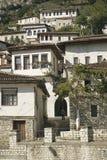 De architectuur van Albanië van Berat stock afbeelding