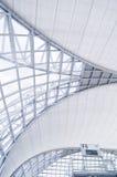 De architectuur van de luchthaven Stock Afbeeldingen
