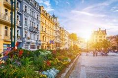 De architectuur van Karlovy varieert Karlsbad, Tsjechische Republiek Het is t Stock Foto's