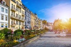 De architectuur van Karlovy varieert (Karlsbad), Tsjechische Republiek Het is t Stock Afbeeldingen