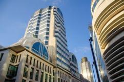De Architectuur van Londen - Gebouwen - kleurenblauw stock foto