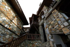 De architectuur van steengebouwen van Paleo Panteleimonas Griekenland Stock Foto