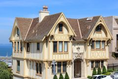 De architectuur van de Tudorheropleving royalty-vrije stock foto