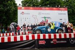De Argentijnse bestuurder Juan Tonconogy begint 1000 Miglia die hij zal winnen Royalty-vrije Stock Afbeeldingen
