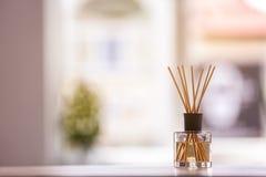 De aromatische verfrissing van de rietlucht op lijst stock fotografie