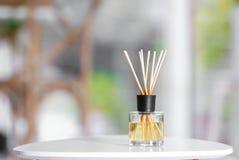 De aromatische verfrissing van de rietlucht op lijst stock foto