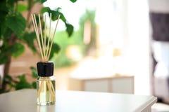 De aromatische verfrissing van de rietlucht op lijst stock afbeelding