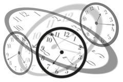 De artistieke menings rond geïsoleerde klokken met Latijnse cijfers snijden met elkaar om tijd het overgaan en spanning in het le vector illustratie