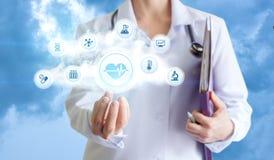 De arts biedt gezondheid het testen aan royalty-vrije stock afbeeldingen