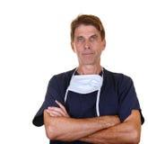 Ernstige arts met gekruiste wapens Stock Fotografie