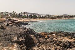 De Atlantische Oceaan ontmoet rotsachtige bundel Royalty-vrije Stock Foto