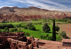 De Atlasbergen in Marokko met de Telouet-ruïnes royalty-vrije stock afbeeldingen