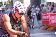 De atleet begint de fietstest in Pescara ` s Ironman 70 3 Stock Foto's