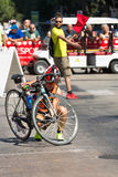 De atleet begint de fietstest in Pescara ` s Ironman 70 3 Royalty-vrije Stock Fotografie