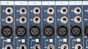 De audiocontactdozen van de productieconsole stock videobeelden
