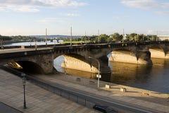 De Augustus-brug over Elbe rivier in Dresden, Duitsland Royalty-vrije Stock Afbeeldingen