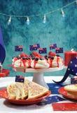 De Australische lijst van de themapartij met vlaggen en iconisch voedsel Royalty-vrije Stock Fotografie