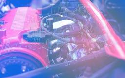 De auto de dienstmeesters lossen het probleem van het werk van electrics in de motor op gebruikend de bekleding van de elektrokri royalty-vrije stock fotografie
