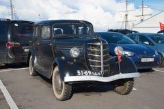 De auto GAZ 11-73, 1940 - deelnemer van de tentoonstelling van uitstekende auto's in Kronstadt Stock Fotografie
