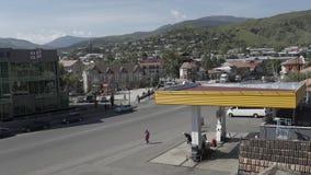 De auto's van de politievolkeren van Georgië streer timelepse Causcaus Petrolium stock footage
