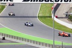 De auto's van stadium zijn vloot GP2 op begin kunnen stock afbeelding