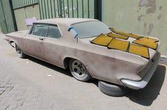 1960 de auto van Buick le sabre verlaten in ruïne die restauratie vergen Royalty-vrije Stock Afbeeldingen