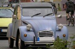 De Auto van de oma Stock Afbeeldingen