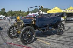 De auto van de Vintagdoorwaadbare plaats Royalty-vrije Stock Foto